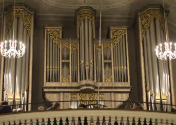 Die Orgel in der Stadtkirche Baden in voller Pracht