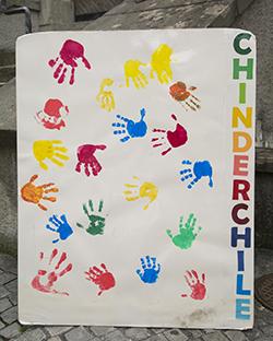 Einladendes Plakat zur Chinderchile in Baden