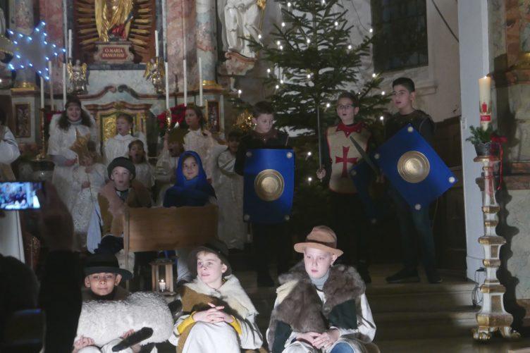 Weihnachtsspiel und Krippenfeier