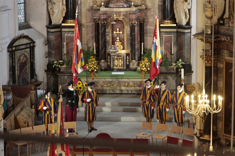 Festgottesdienst mit der Schweizergarde