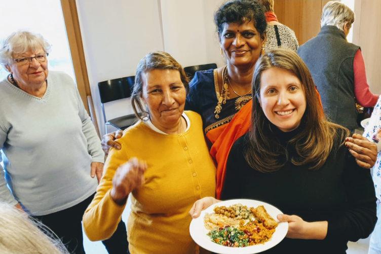 Kochen mit den Flüchtlingsfrauen der HEKS-Gärten