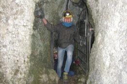 Besuch im Nidlenloch - Firmgruppe St. Anton 11