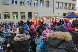 Chlauseinzug auf dem Zentrumsplatz Wettingen 14
