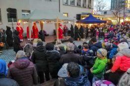 Chlauseinzug auf dem Zentrumsplatz Wettingen 15