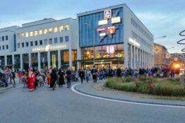 Chlauseinzug auf dem Zentrumsplatz Wettingen 7