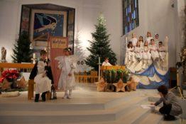 Krippenspiel an Heiligabend in St. Anton 9