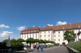 """Rentier-Spaziergang  vom 2. Juni 2021 """"Klostergärten"""" Muri 18"""